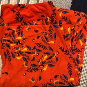 Lularoe Orange with birds leggings Tall and curvy